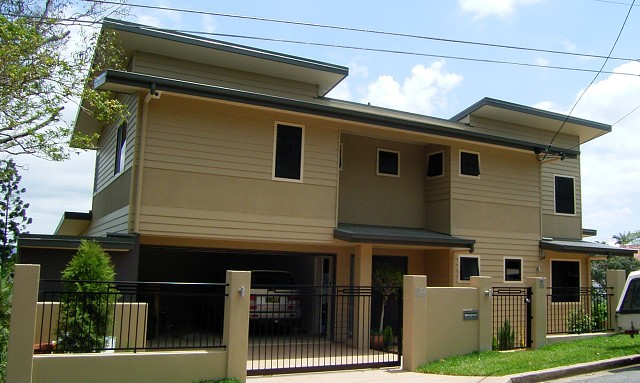 Coorparoo small lot house 1, east